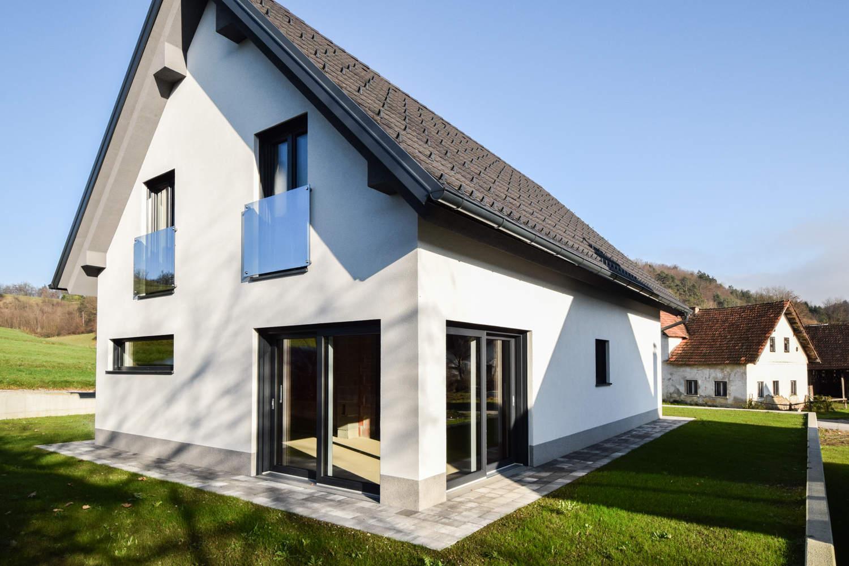 Novogradnja Tri samostojne hiše na Škofljici 2