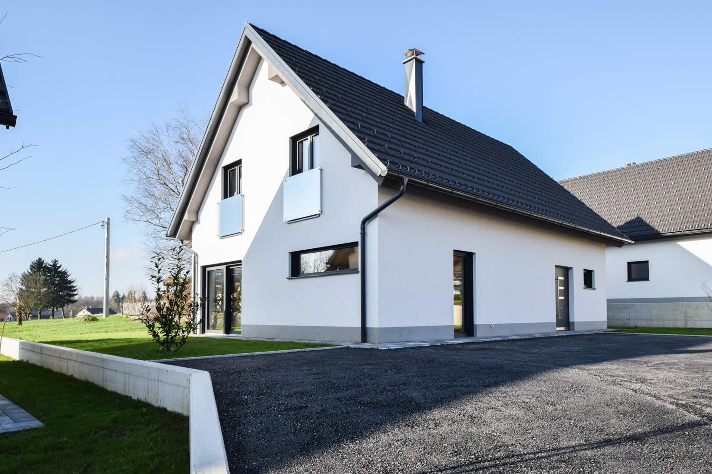 Novogradnja Tri samostojne hiše na Škofljici 3