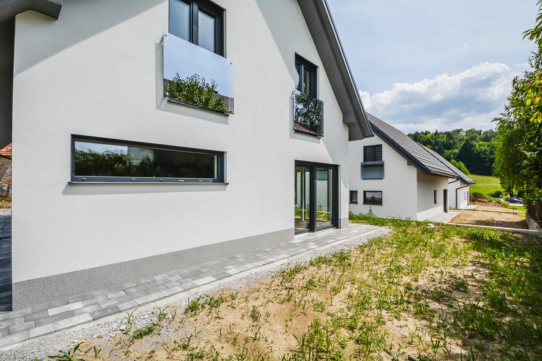 Novogradnja Tri samostojne hiše na Škofljici 9