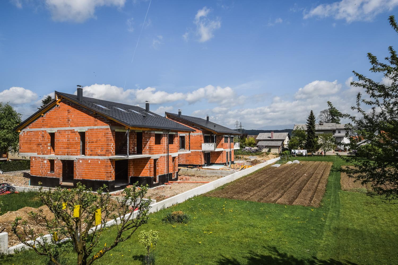 Novogradnja Hiša dvojček Polje 5