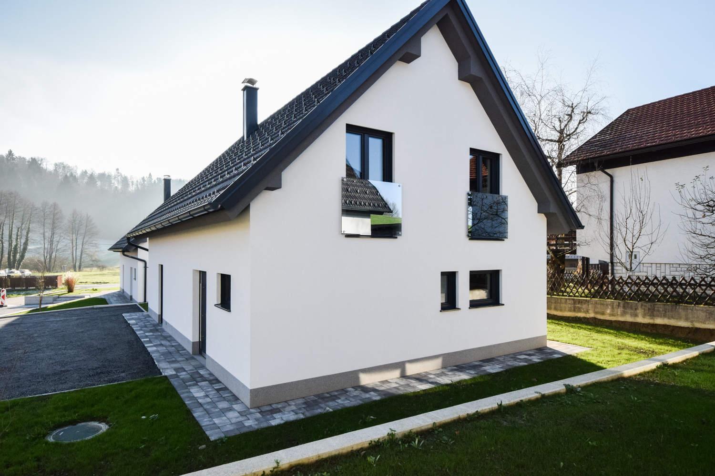 Novogradnja Tri samostojne hiše na Škofljici 7