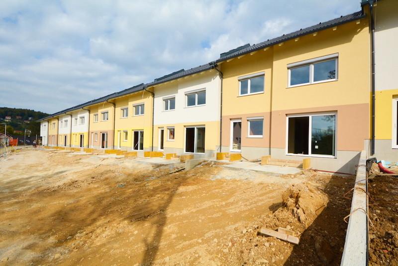 Novogradnja Naselje vrstnih hiš Škofljica